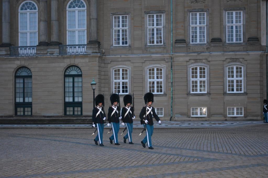 Что посмотреть в Копенгагене. Амалиенборг